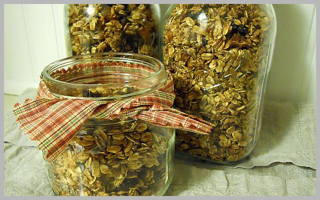 Homemade Granola - Andrea Dekker