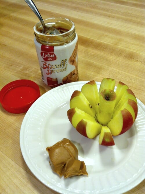 biscoff spread with apples