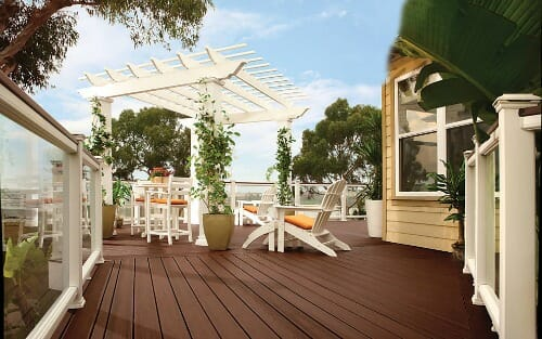 trex-transcend-decking-lava-rock-glass-railing-pergola