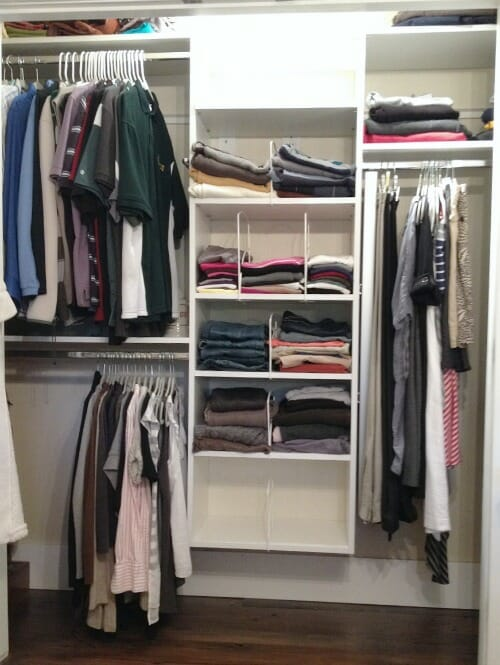 minimalist clothes closet