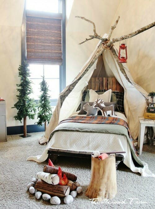 camping-bedroom-Christmas