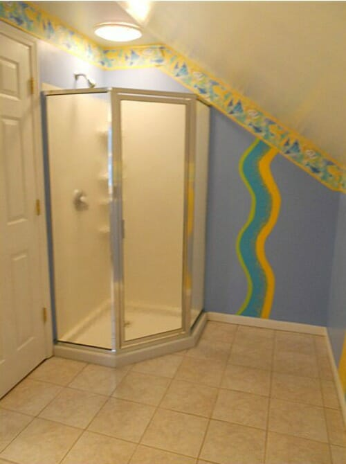 upstairs bathroom before