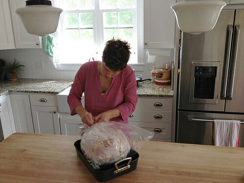 how to roast a juicy turkey in an oven bag