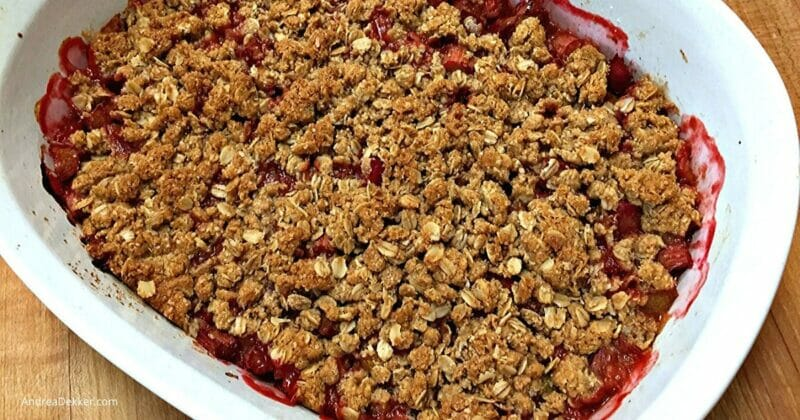 whole grain rhubarb crisp